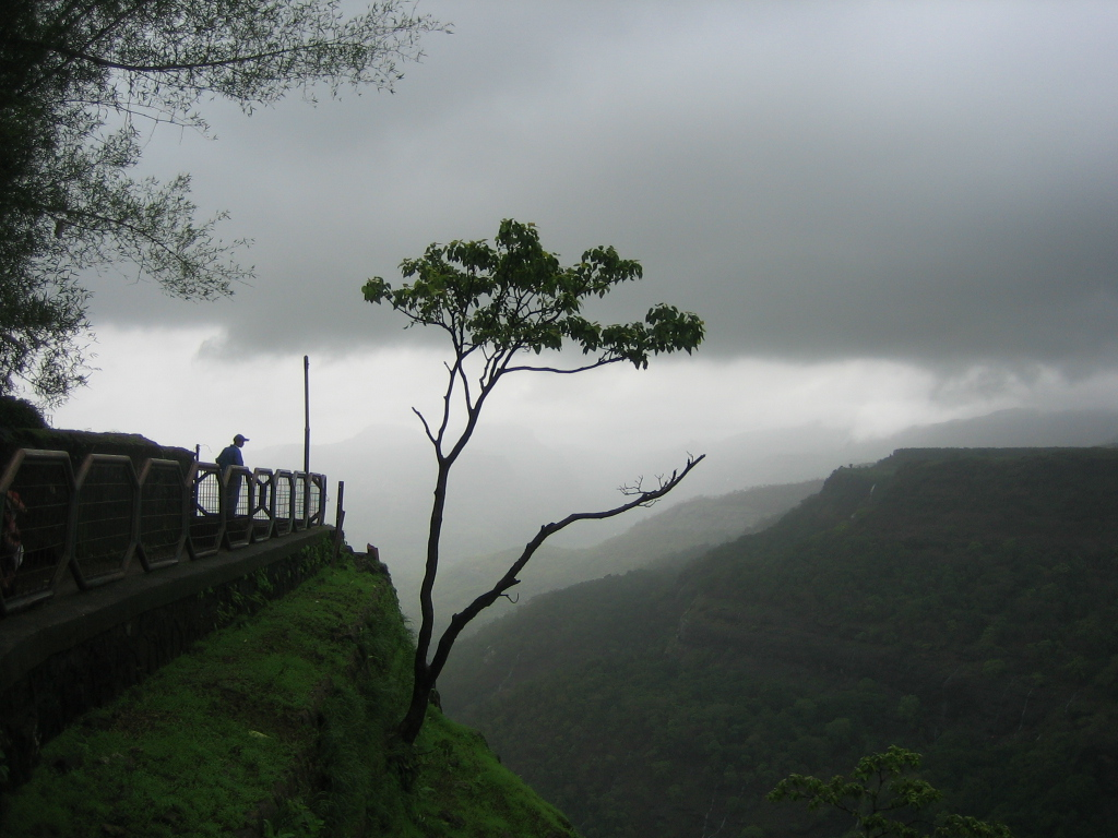 Romantic Getaways from mumbai Khandala