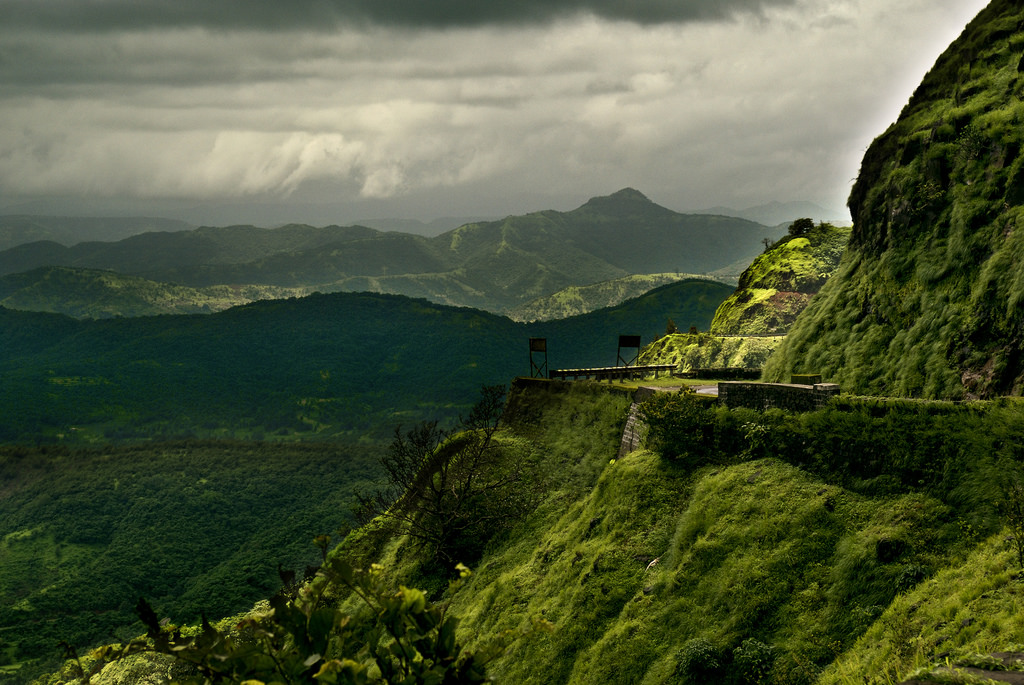 Romantic Getaways from mumbai Lonavala